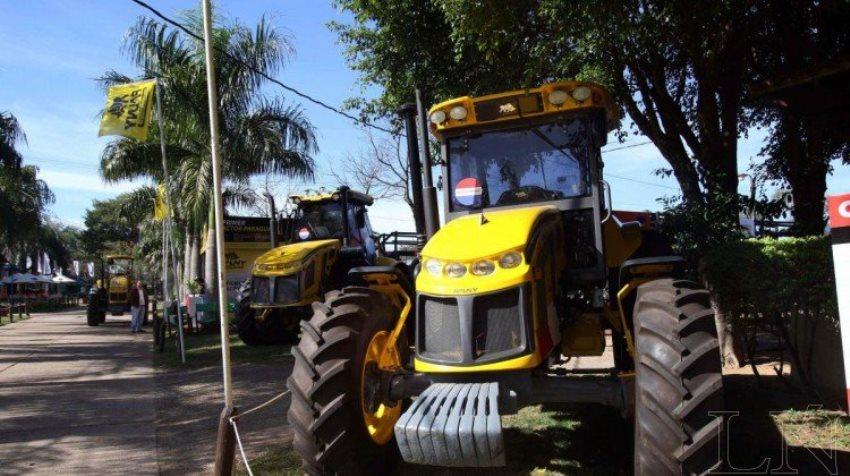 Pauny Tractor (LN)